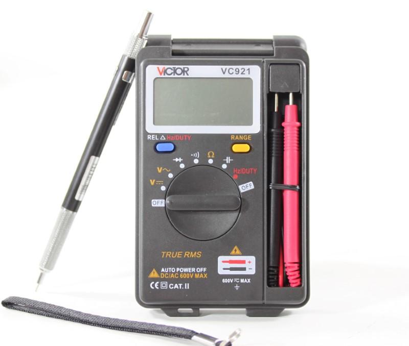 Handheld auto range multimeter