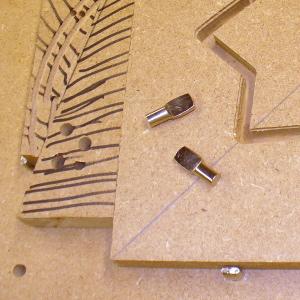 Horizontal Clamping Using Shelf Pins