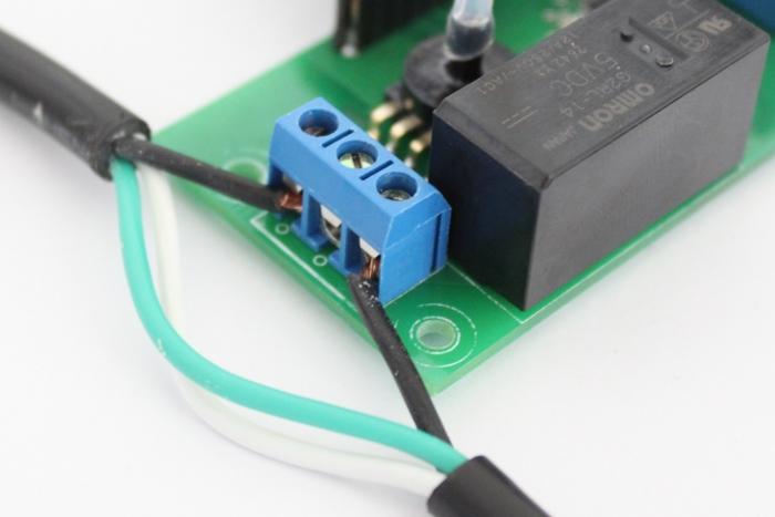 Vacuum pressure controller relay-terminals.